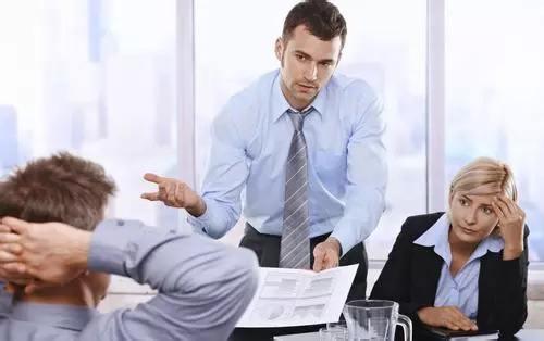 领导永远不告诉你的真相:干得越多,薪水涨得越慢